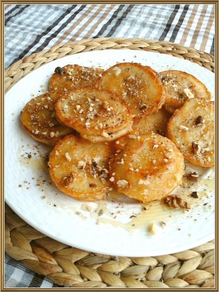 Τηγανίτες με μέλι και καρύδια