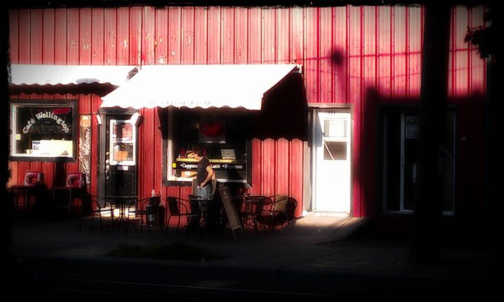 red Zone | Cafe Wellington | Ponte-Saint-Charles (Le Sud-Ouest), Montreal | 2013 | John Naccarato | #thespacesweAR