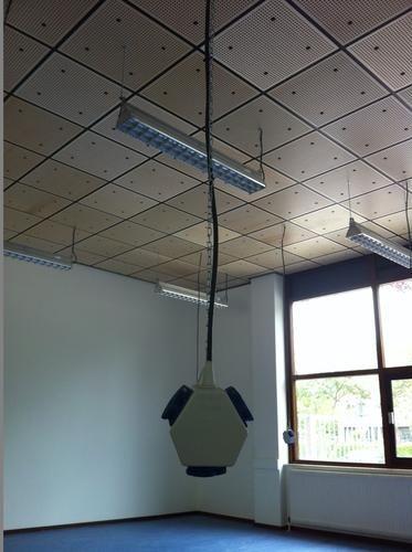 Extra electra leggen boven systeemplafond tbv hangende stekkerdozen