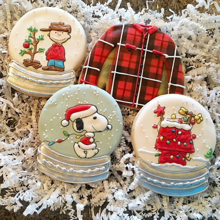 """392 Likes, 10 Comments - Diane - The Tall Cookie (@thetallcookie) on Instagram: """"Childhood Christmas Favorites: Part Three ❤️ #thetallcookie #thetallcookie2017 #customcookies…"""""""