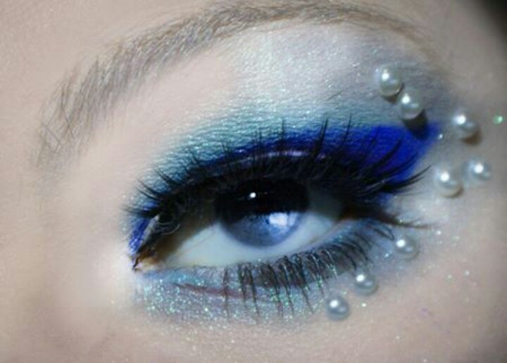 Blue water fairy mermaid makeup with pearls...love it!  So who is going to come do my makeup like this? ;)