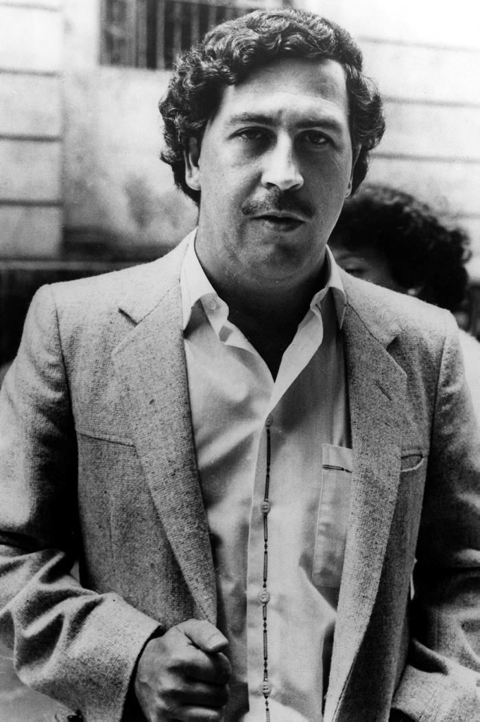 PABLO EMILIO ESCOBAR GAVILLA! Some people considere him like the biggest drug trafficker of the worldwide history. And probably the are right. His life is so known for most of us.