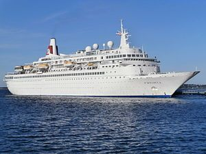 Boudicca. Ιδιοκτησία & Διαχείριση: Fred. Olsen Cruise Lines. 1973 ~ 1991 Royal Viking Sky. 1991 ~ 1992 Sunward. 1992 Birka Queen. 1992 ~ 1993 Sunward. 1993 ~ 1997 Golden Princess. 1997 ~ 1998 SuperStar Capricorn. 1998 ~ 2001 Hyundai Keumgang. 2001 ~ 2004 SuperStar Capricorn. 2004 ~ 2005 Grand Latino. 2005 ~ present, today's name. Αποκτήθηκε στις 05/06/1973. 28.372GT ~ 206,96 μ.μ. ~ 25,22 μ.πλάτος ~ 8 κατ/τα ~ 22knots ~ 900 επ. ~ 320 α.πλ.