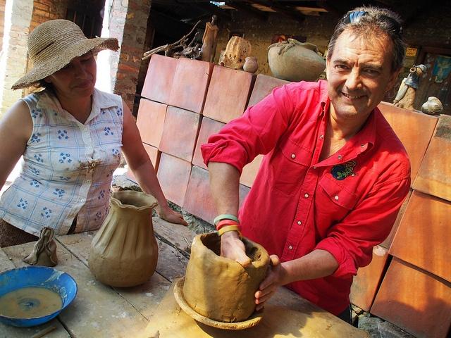 #VagamundosColombia Taller Alfarería Las Otilias de Rosa María. Ráquira con Morelocal.com.com P3023150, via Flickr.