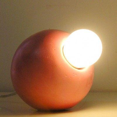 yau concept_monolit roz_lampa pentru birou 2014