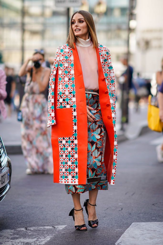 0de638071903 Olivia Palermo wears a flower print kimono jacket