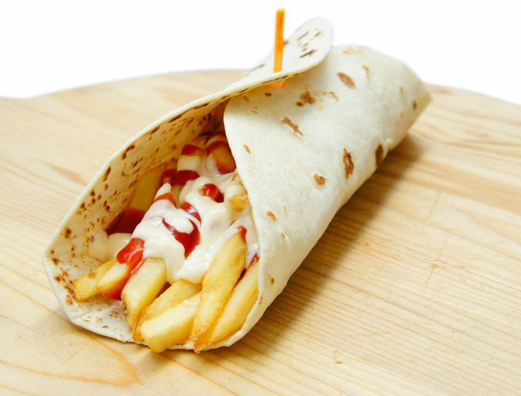 Piadina hot dog wurstel alla piastra patatine ketchup for Cucinare hot dog