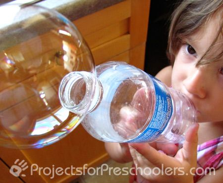Easy peasy method for giant bubble blowing- use a water bottle! Via Projects for Preschoolers