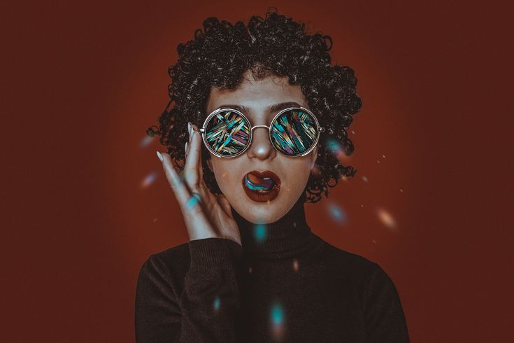 S P A R K L I N G • • • • •  #art #aesthetic #visualart #concept #creative #nikonphoto #nikon #instaartoftheday #taxcollection #tularegion #tula #tulaphoto #tula71 #afrohair #portrait #photooftheday #photo #sparkles #crystalart #stars #vision #diamonds #shine #portraitpage #magic #myartisreal #knowthismind #girl #photoshop #glitchart