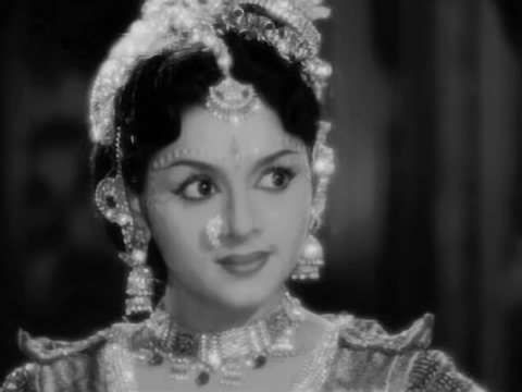 Padmini is as skilled at Bharathnatiyam as she is at acting. She and her sister Lalitha are referred to as Travancore Sisters. She has worked in many regional industries and has captured the audience's heart. She is known for her work in Mera Naam Joker, Jiss Desh Mein Ganga Behti Hain and Ezzhai Padum Padu (Tamil).: Padmini – Travancore Lady