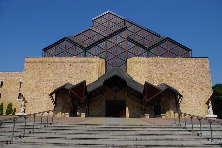 Kościół pw. Matki Bożej Częstochowskiej, Nowa Huta, Kraków
