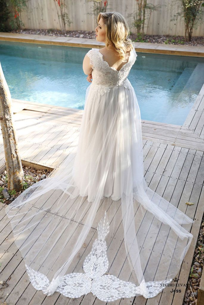 Bridal Sash Bustle An Intimate And Beautiful Boutique For The Modern Bride 779 Queen S In 2020 Plus Size Wedding Outfits Plus Wedding Dresses Couture Wedding Gowns