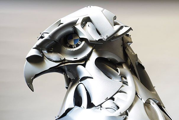 Recyclage denjoliveurs en sculptures danimaux par Ptolemy Elrington   ptolemy elrington recyclage de vieux enjoliveurs en sculptures d animaux 12