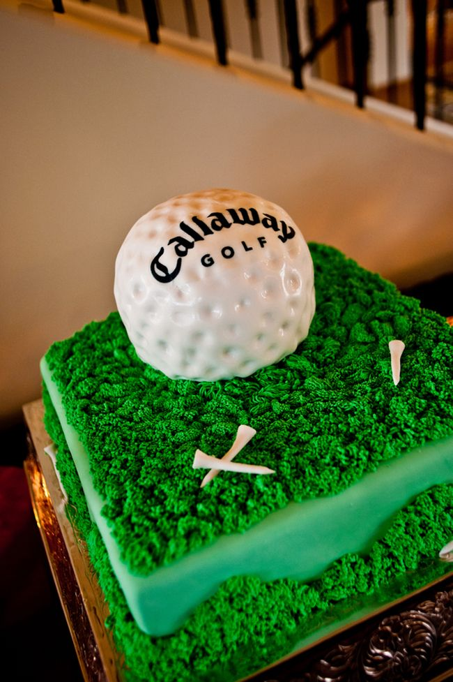 Golf Groom's Cake | Photo: Davina + Daniel | See more golf wedding ideas: http://blog.theknot.com/2013/04/11/love-golf-steal-one-of-these-wedding-ideas/