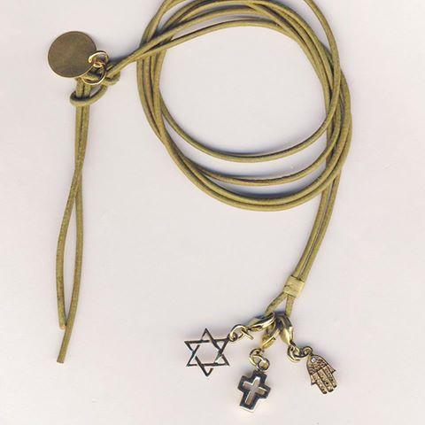 Lederband Coexistence jetzt auf www.jayjaydesign.de/Shop/Halsketten