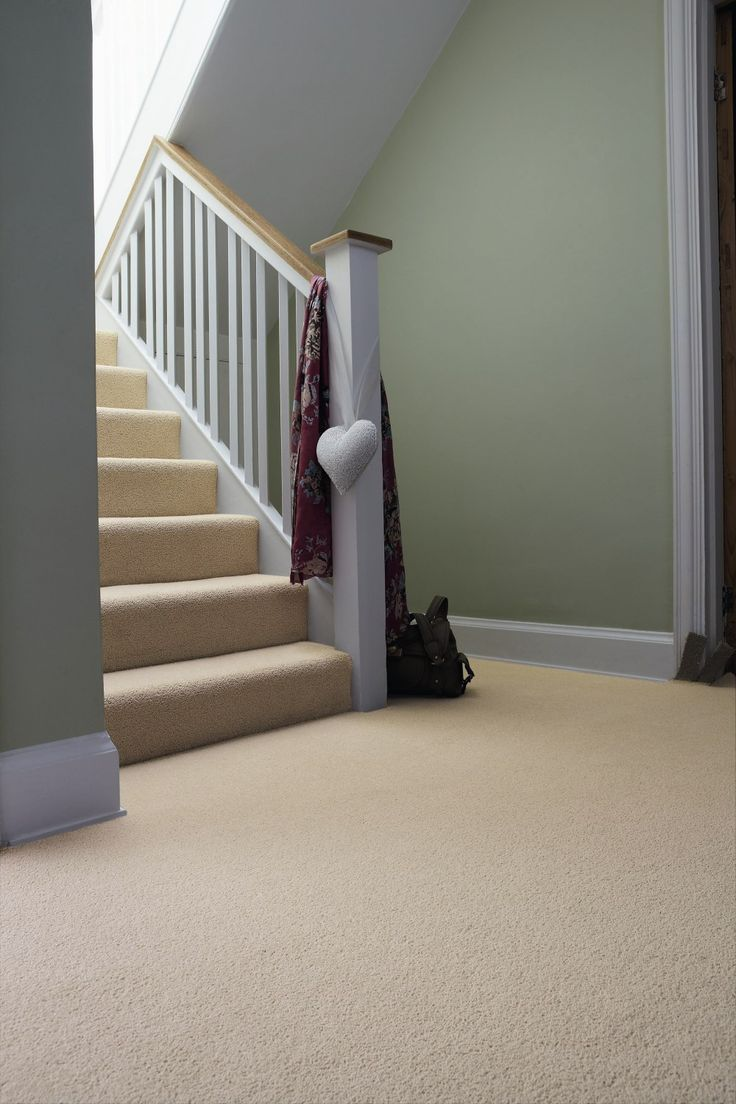 Neutral Carpet Green Walls