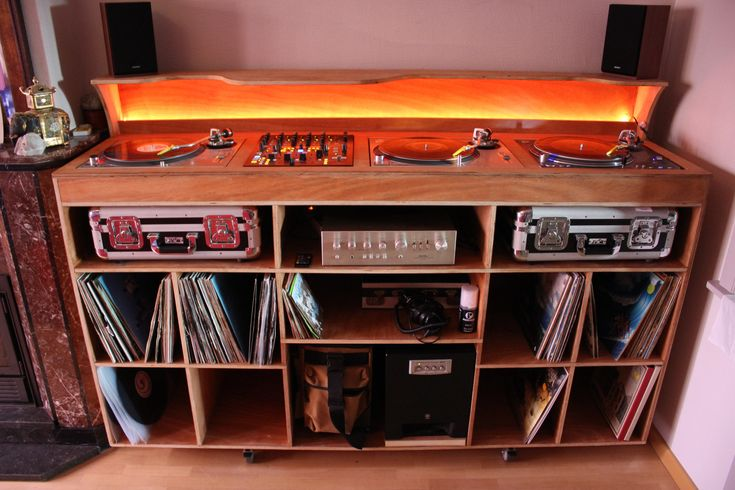 Funky dj desk google search dj pult pinterest dj for Man cave desk