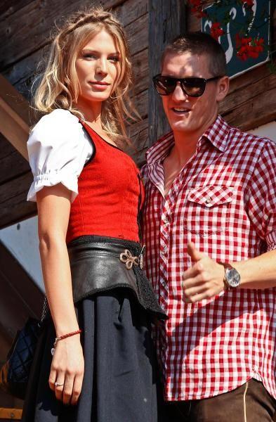 Sarah Brandner and Sebastian Schweinsteiger (Matthias Schrader/dap/AP)