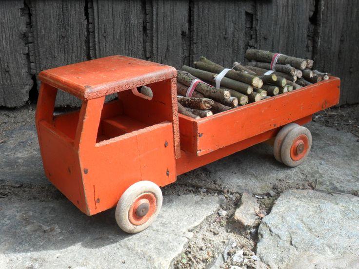 petit camion benne ancien en bois jouet vintage jeux jouets par le torchon en cavale j. Black Bedroom Furniture Sets. Home Design Ideas