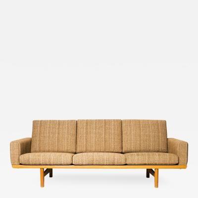 Hans Wegner GE-236 Sofa by Hans Wegner
