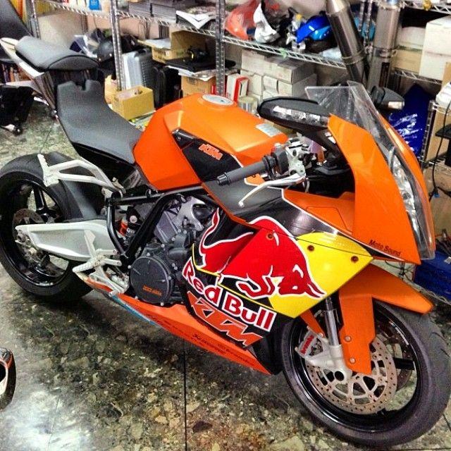 KTM RC8 Photo: @freebird kcco Hashtag #2WP for a chance to be featured #motorbike #motorcycle #sportsbike #yamaha #honda #suzuki #kawasaki #ducati #triumph #victory #buell #aprilia #harleydavidson #r1 #r6 #cbr #gsxr #fireblade #ktm #rc8 #redbull #akrapovic #bikelife #Twowheelpassion