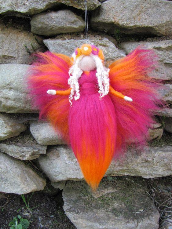 orange / rose fée Needle Felted laine fée fleur par LivelySheep