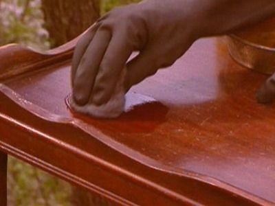 how to remove varnish from wood