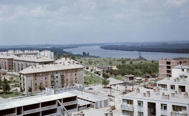 Dunasor városrész, Kohász utca - Dunasor kereszteződése a Nővérszállóról nézve.
