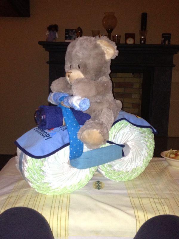 Babyshower luiertaart beer op motor