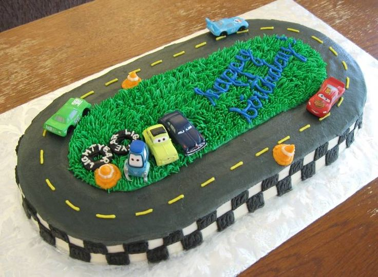 Cake Decorating Racing Car : Best 25+ Car cakes ideas on Pinterest Car shaped cake ...