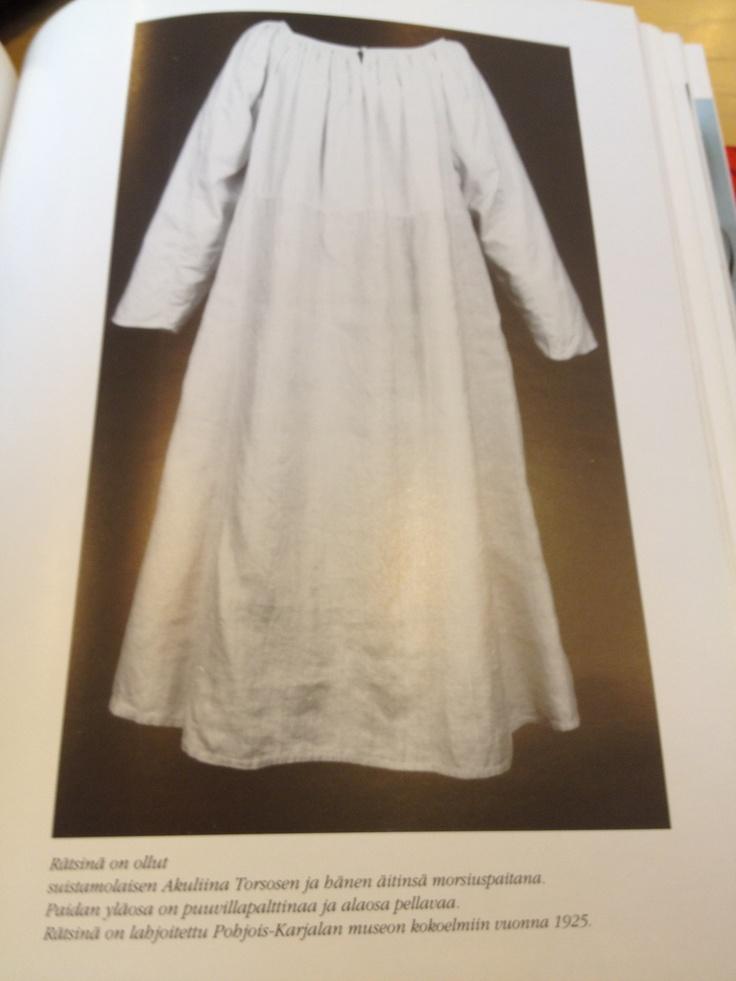 'rätsinä' is a blouse & petticoat combo