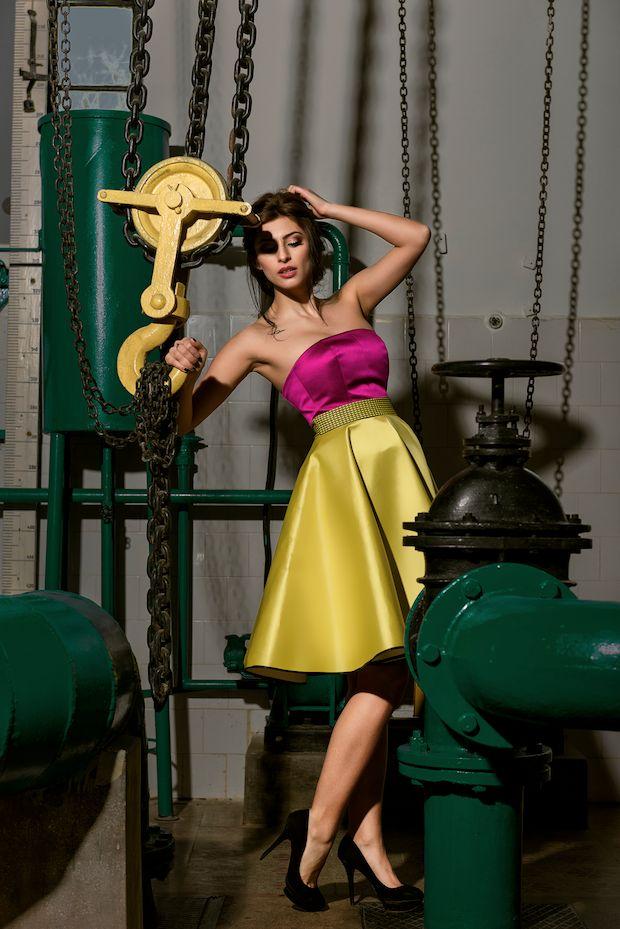 Rochie in culori puternice, perfecta pentru seri de vara