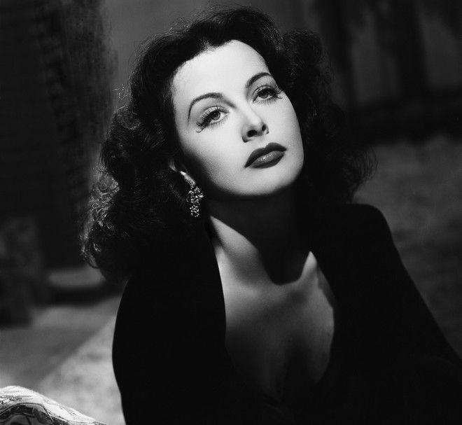 актрисы фото с сигаретой прошлого века последнее время, сети