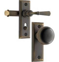 Search Wooden screen door latch set. Views 223329.