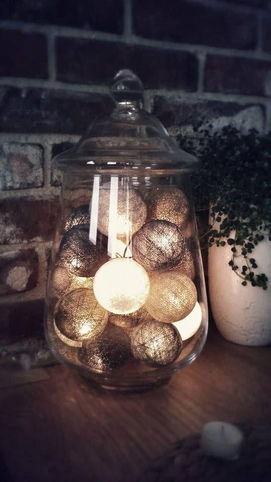 Ideale dentro un vaso! Ghirlanda luminosa realizzata con fili di cotone intrecciati a mano.
