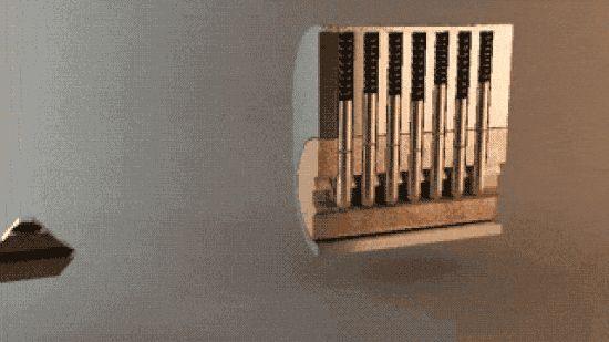 Parfois on a juste besoin d'une image pour comprendre quelque chose. Ça vous dit d'apprendre quelques trucs intéressants en gifs animés ?  Découvrez l'astuce ici : http://www.comment-economiser.fr/19-gifs-qui-expliquent-comment-les-choses-fonctionnent..html?utm_content=buffer8f147&utm_medium=social&utm_source=pinterest.com&utm_campaign=buffer