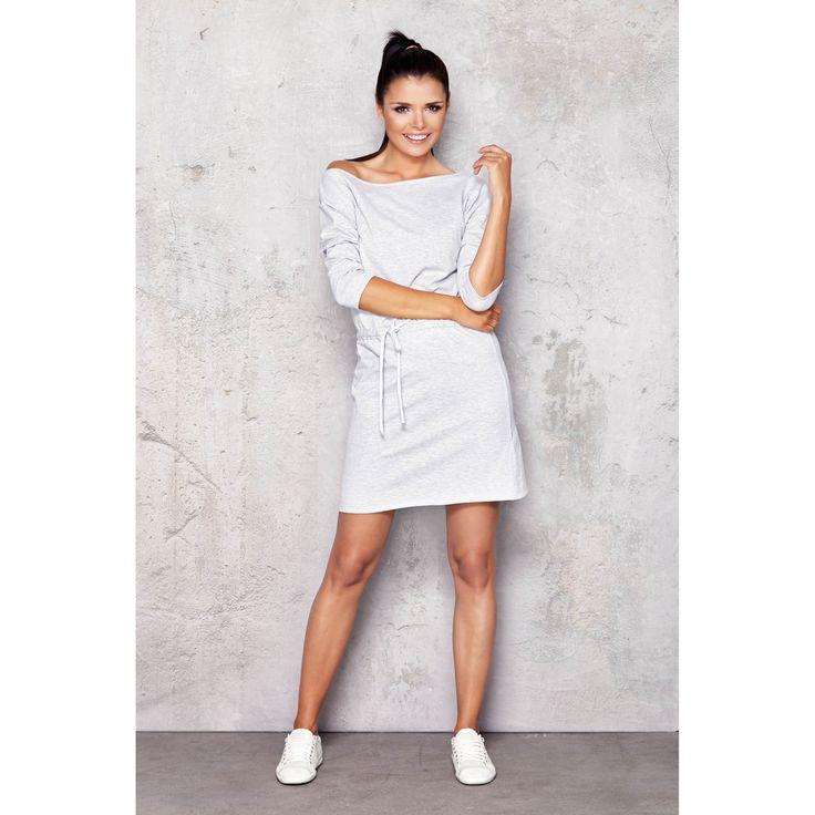 Rochie casual scurta,simplă cu design sport cu mâneca trei sferturi si cu siret in talie. #rochiisport #rochiidezi #rochiicasual #prettymodaro