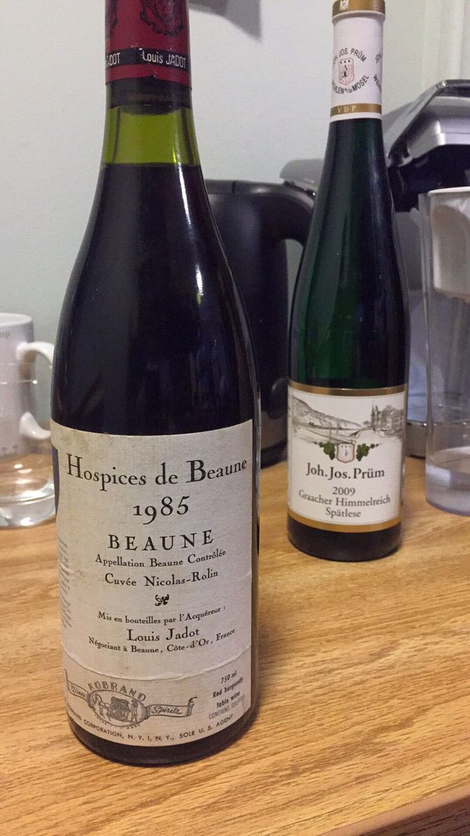 Is this bottle out of its drinking window? -- 1985 Hospices de Beaune Cuvée Nicolas Rolin (1er Cru) (Élevé par Louis Jadot) #wine #winelover #tips #vino #WineWednesday #winelovers #Italy