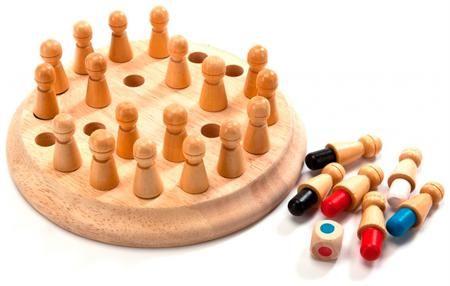 Bradex Шахматы детские для тренировки памяти «мнемоники»  — 596 руб.  —  СОСТОИТ ИЗ СЛЕДУЮЩИХ ДЕТАЛЕЙ: • Подставка с отверстиями • 24 фигуры со стержнями шести цветов (красные, синие, зеленые, желтые, белые, черные) • Кубик с точками соответствующих цветов  Комплектация: фигуры цветные – 24 шт., кубик – 1 шт., подставка – 1 шт., инструкция – 1 шт. Подарив ребенку шахматы детские для тренировки памяти «МНЕМОНИКИ», Вы сами увлечетесь этой игрой. Это прекрасный занимательный и азартный способ…