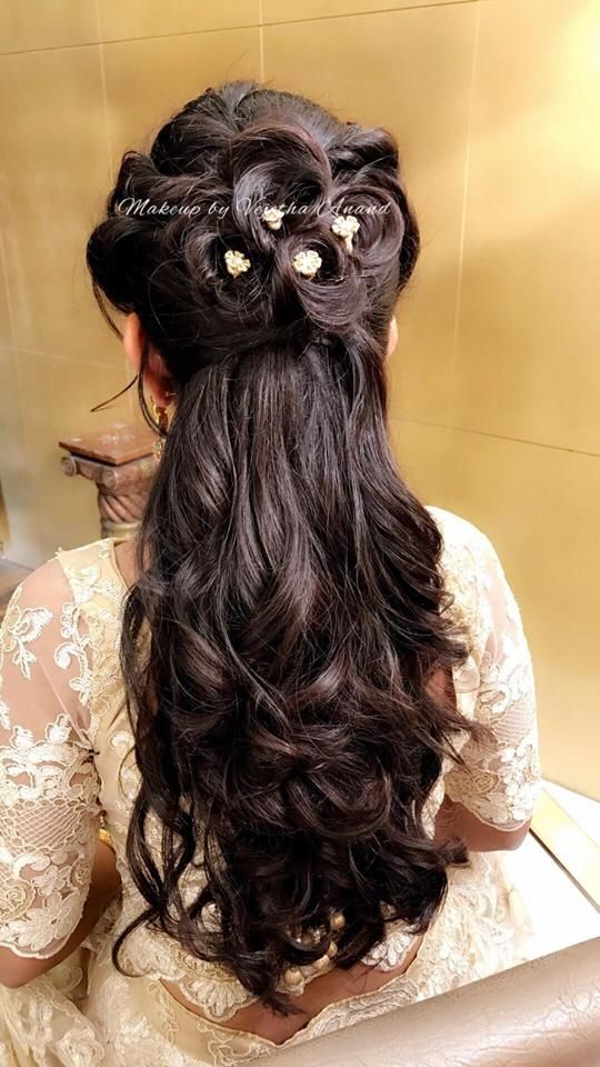 Gorgeous hairstyle for beegara oota ceremony. Hairstyle by Vejetha for Swank. Bridal hair. Curls. Hair accessories. Indian bride's hair.