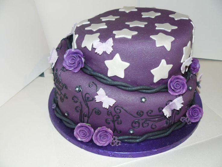 Gothic deep purple cake Carina