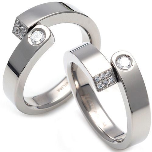 Couple rings are a popular tradition when it comes to love. With couple rings, you and your lover can have a special accessory that represents the two of you and your commitment to each other.