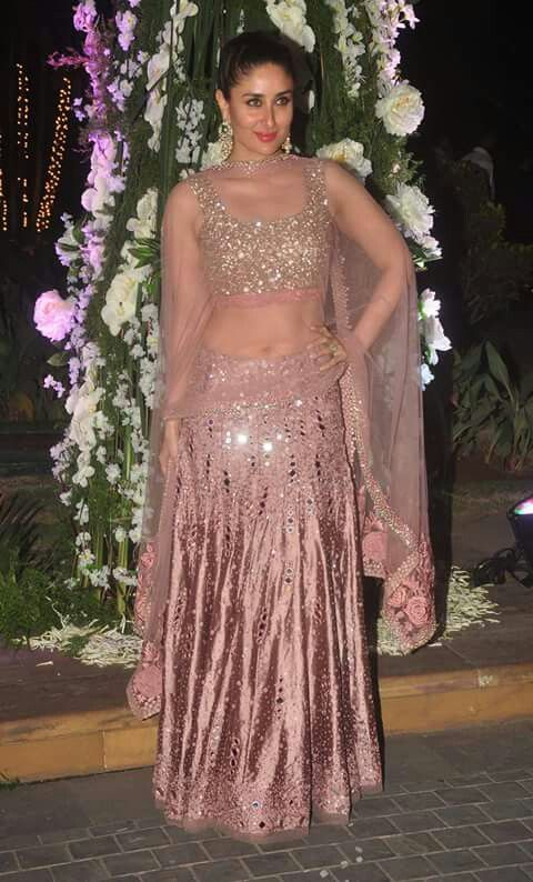 Wow mirror manish malhotra lehenga