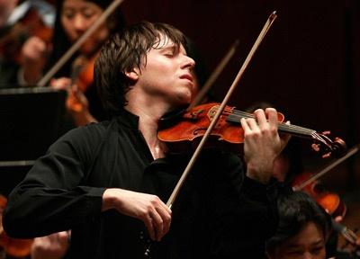 Joshua Bell tocando con desenfado.    Ingrid Yrrivarren.: Classic Music, Famous Violinist, Music Passion, Belle Music,  Fiddle, Josh Belle, Beauty, Joshua Belle, Belle Tocando