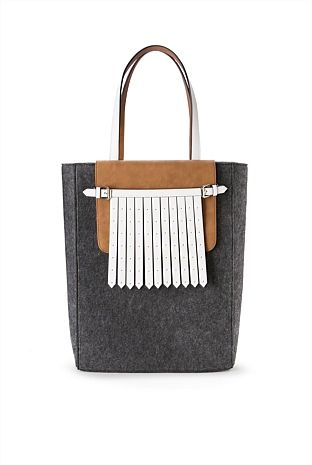 Country Road Fringed Pocket Tote
