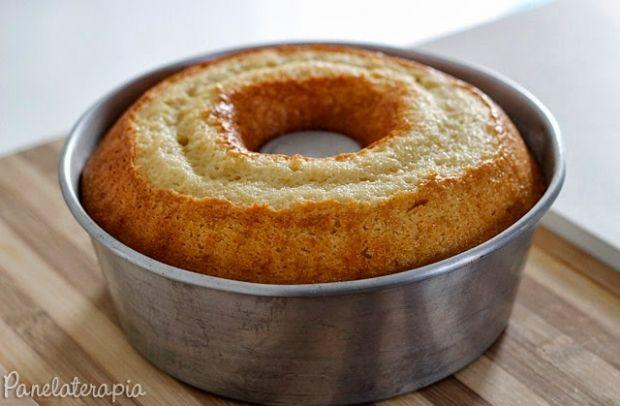 """É isso mesmo bolo de NADA. Porque se alguém perguntar """"De qual sabor é este bolo?"""" a resposta é """"de NADA"""" hahahaha. Isso não significa que não tenha gosto, muito pelo contrá…"""