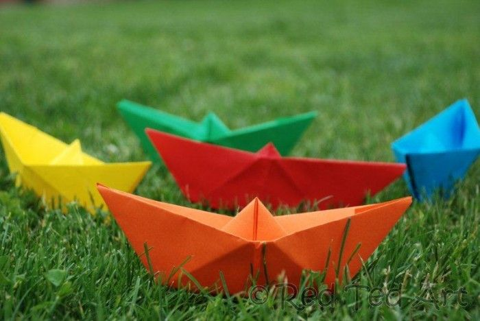 You can't spell Imagination Playground without Play. Here are a few pins gathered around the web that encouraged kids and children of all ages to embrace the outdoor and jump out the door and play without limits.  How to... make a Paper Boat
