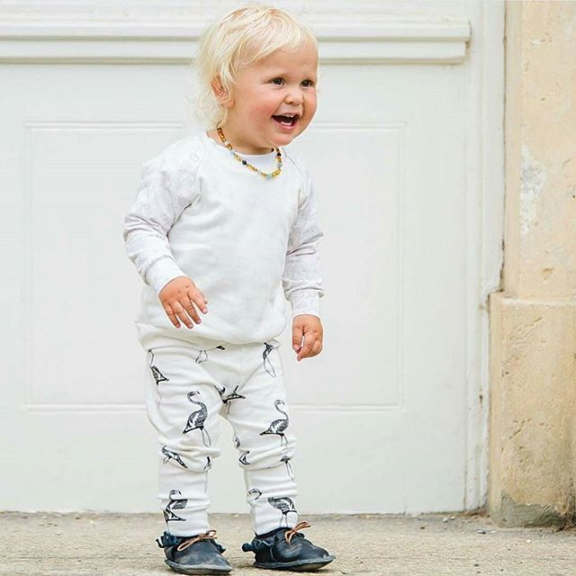 Big smiles and Flamingos to brighten up a Monday morning ☉ This little guy is the cutest! @x_blessedwith5boys_x Flamingo Friends leggings available from Nouvelle Baba this Autumn  _____________________  #happymonday #NouvelleBaba #Bornfreeandme #babyfashion #monochrome #capturemoment #momentsoverposes #momlife #clickinmoms #babyboutique
