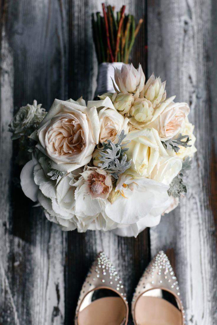 Букет из роз, гортензии, орхидеи и капса