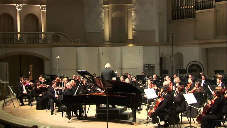Tchaikovsky Piano Concerto No. 1, Vladimir Feltsman with the Moscow Phil...